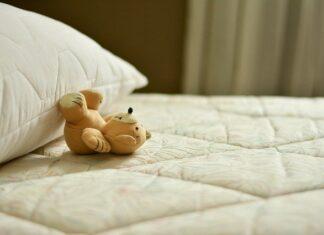 Jaki kupić materac do łóżka dziecięcego?