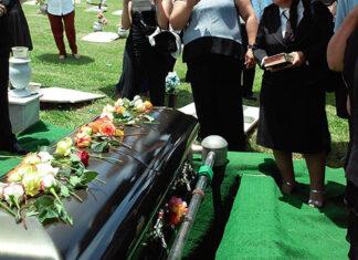 Na co zwrócić uwagę wybierając usługi pogrzebowe
